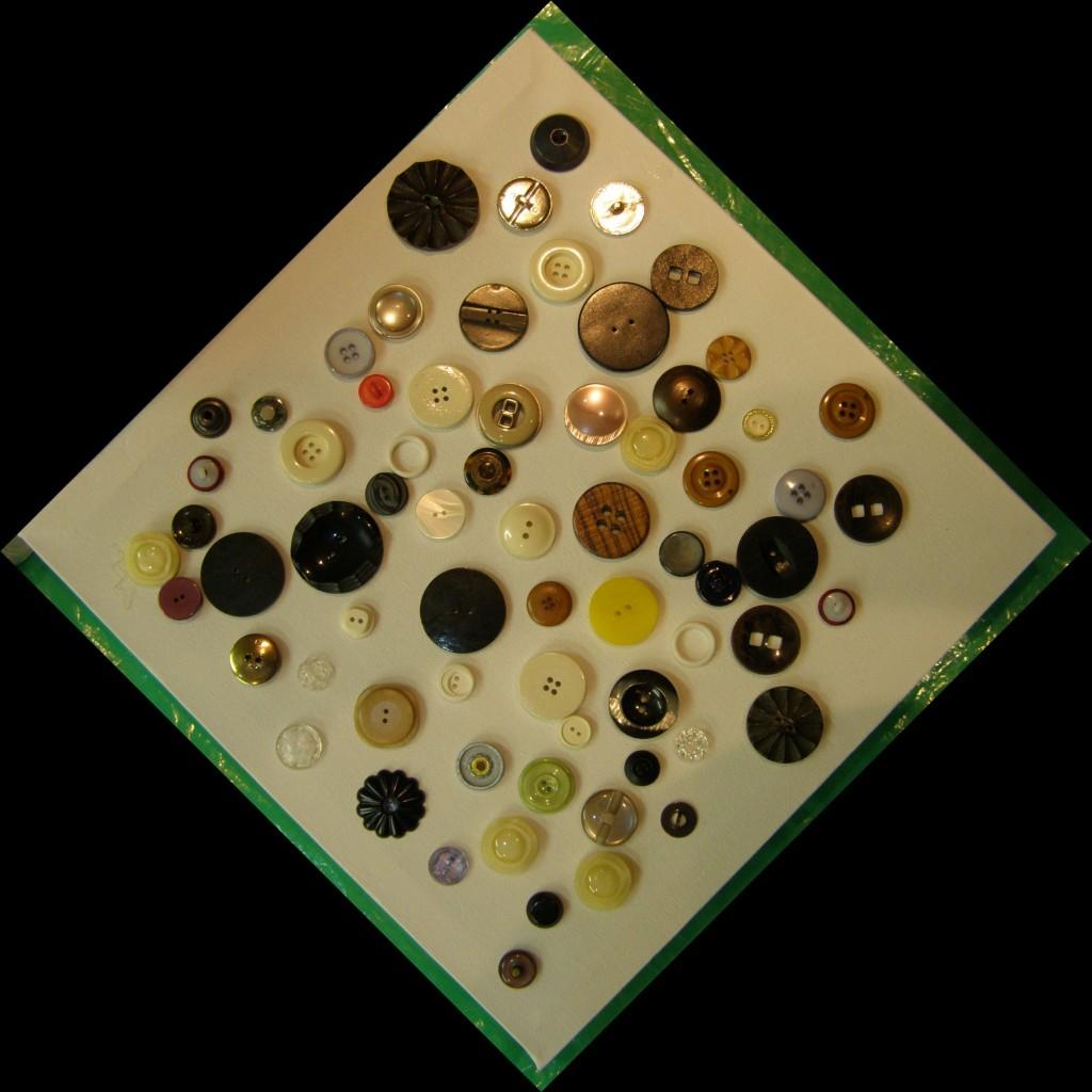 Uit de knopenpot zijn 68 knopen gezaaid over het doek en diende zo als ontwerp voor het schilderij